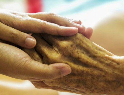 ¿Cuidas a personas enfermas o con dependencia? ¿Sabes cómo cuidarte mientras cuidas de ella?
